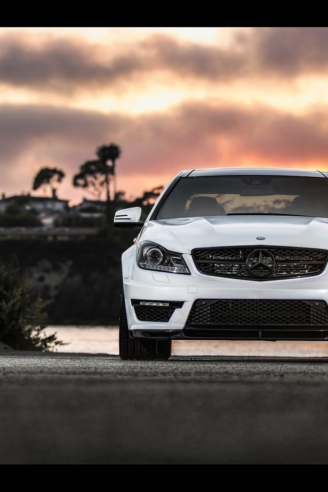 640x960 2013 Mercedes Benz C63 Amg Front Static Iphone 4