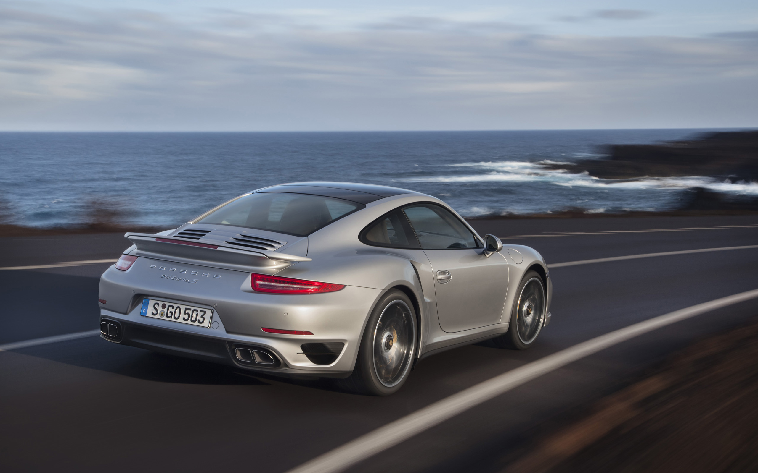 2013 Porsche 911 Turbo Motion Rear wallpapers | 2013 ...