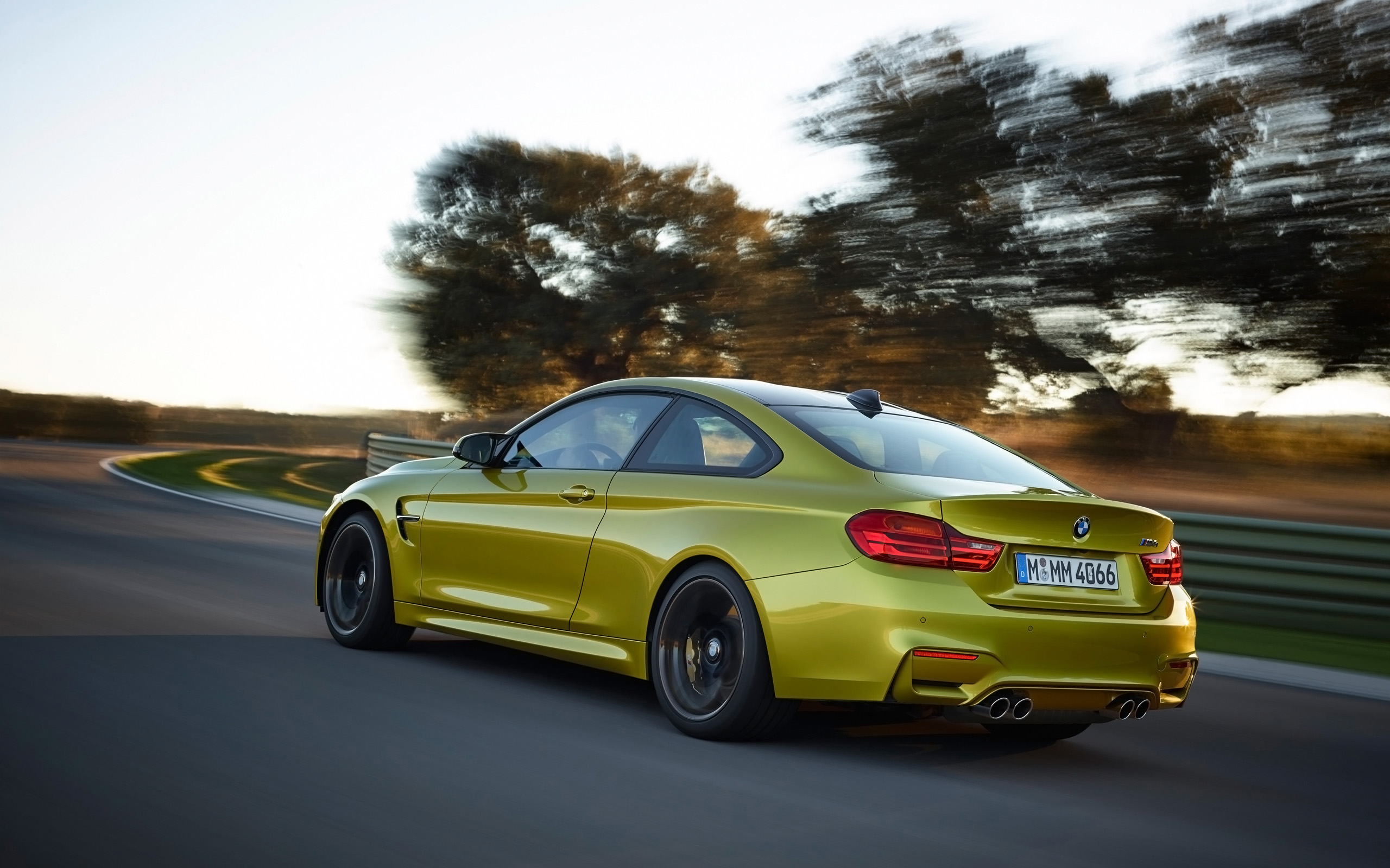 2014 Bmw M4 Coupe Motion Side Angle Wallpapers 2014 Bmw