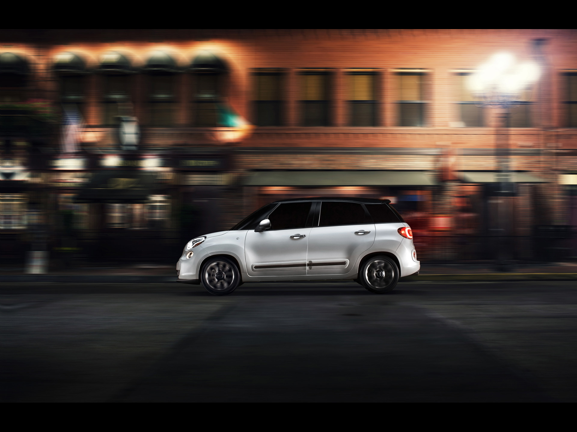 2014 Fiat 500l Motion Side Night Wallpapers 2014 Fiat