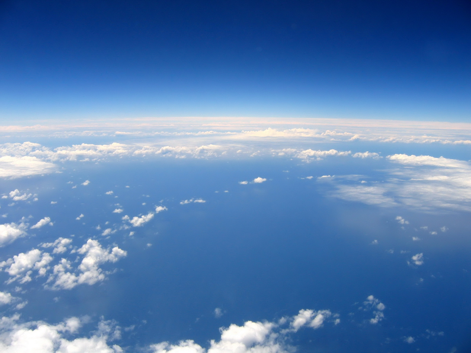 1600x1200 above the sky desktop pc and mac wallpaper