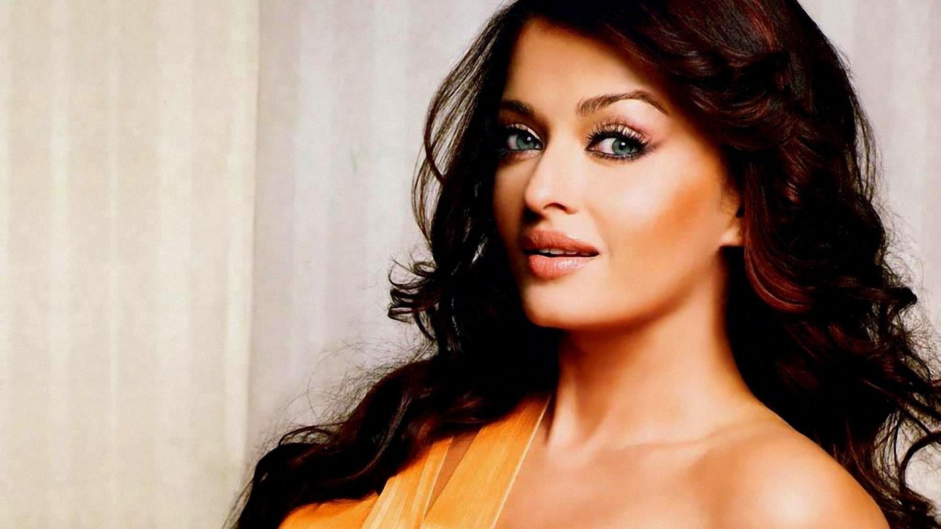 Aishwarya Rai Hot Desktop And Mac Wallpaper