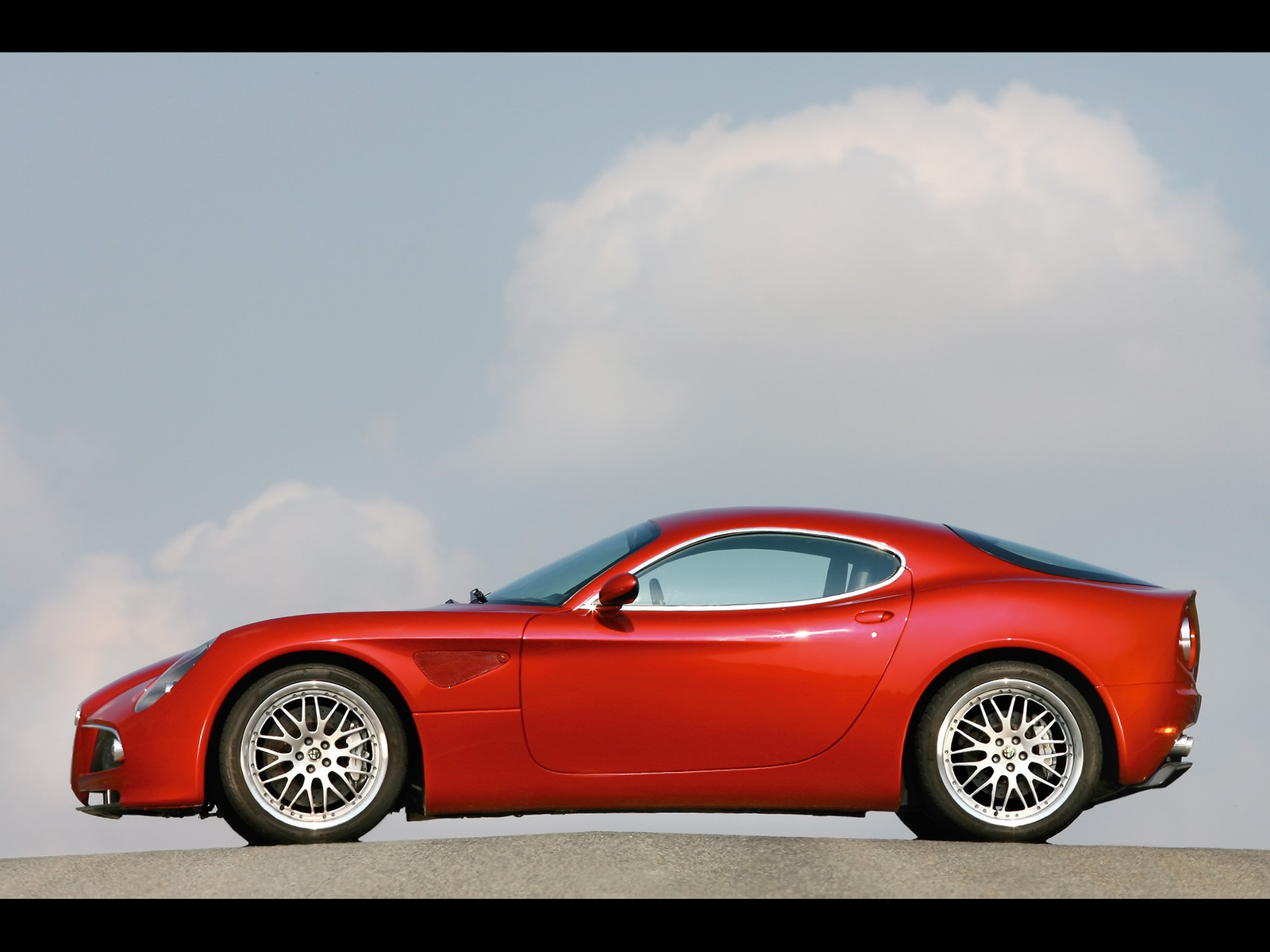 alfa romeo 8c wallpapers alfa romeo 8c stock photos