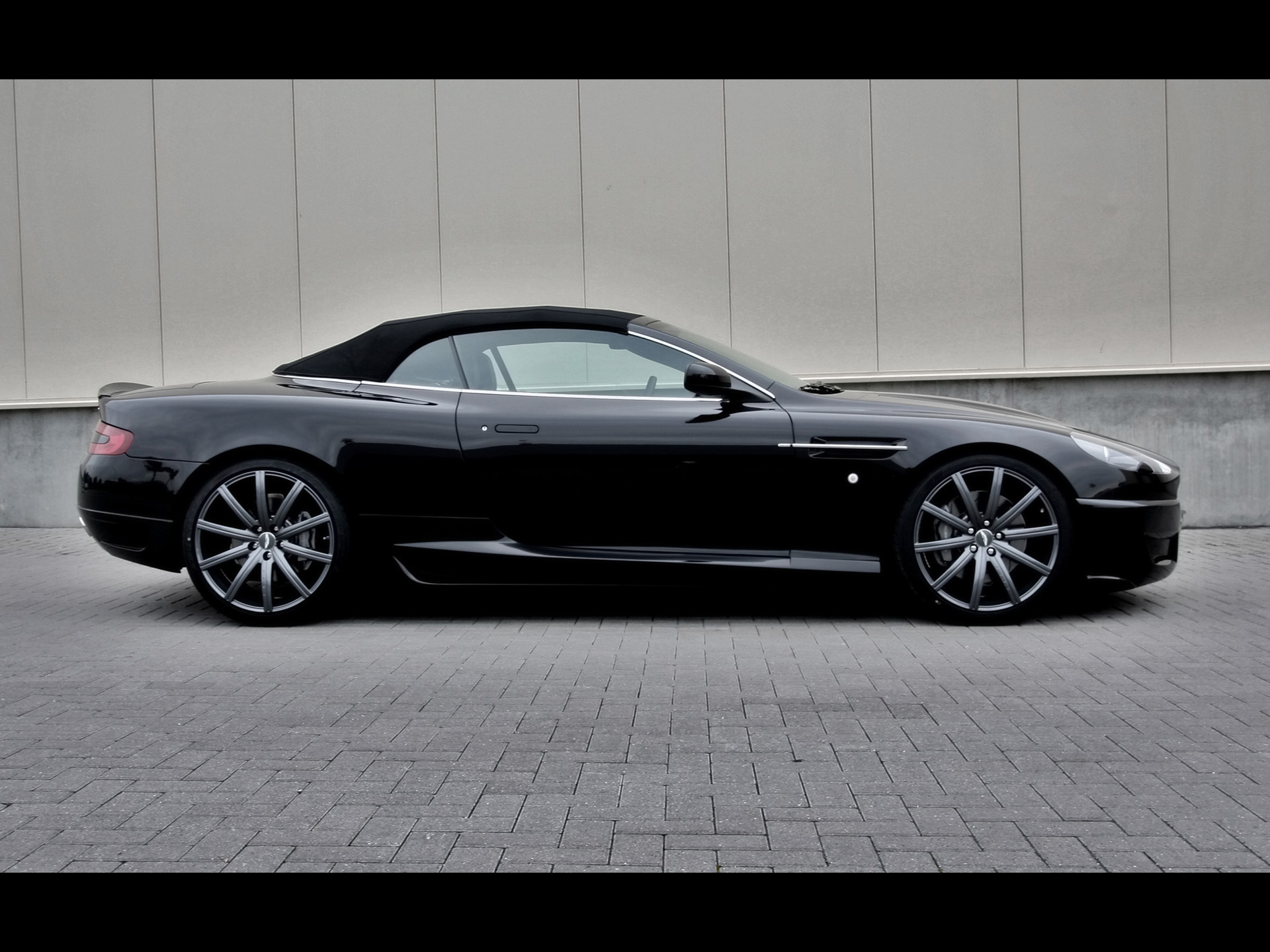 Aston Martin Db Convertible Side Wallpapers X