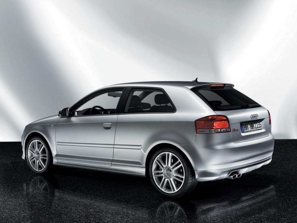 1024x768 Audi S3 rear desktop wallpapers and stock photos