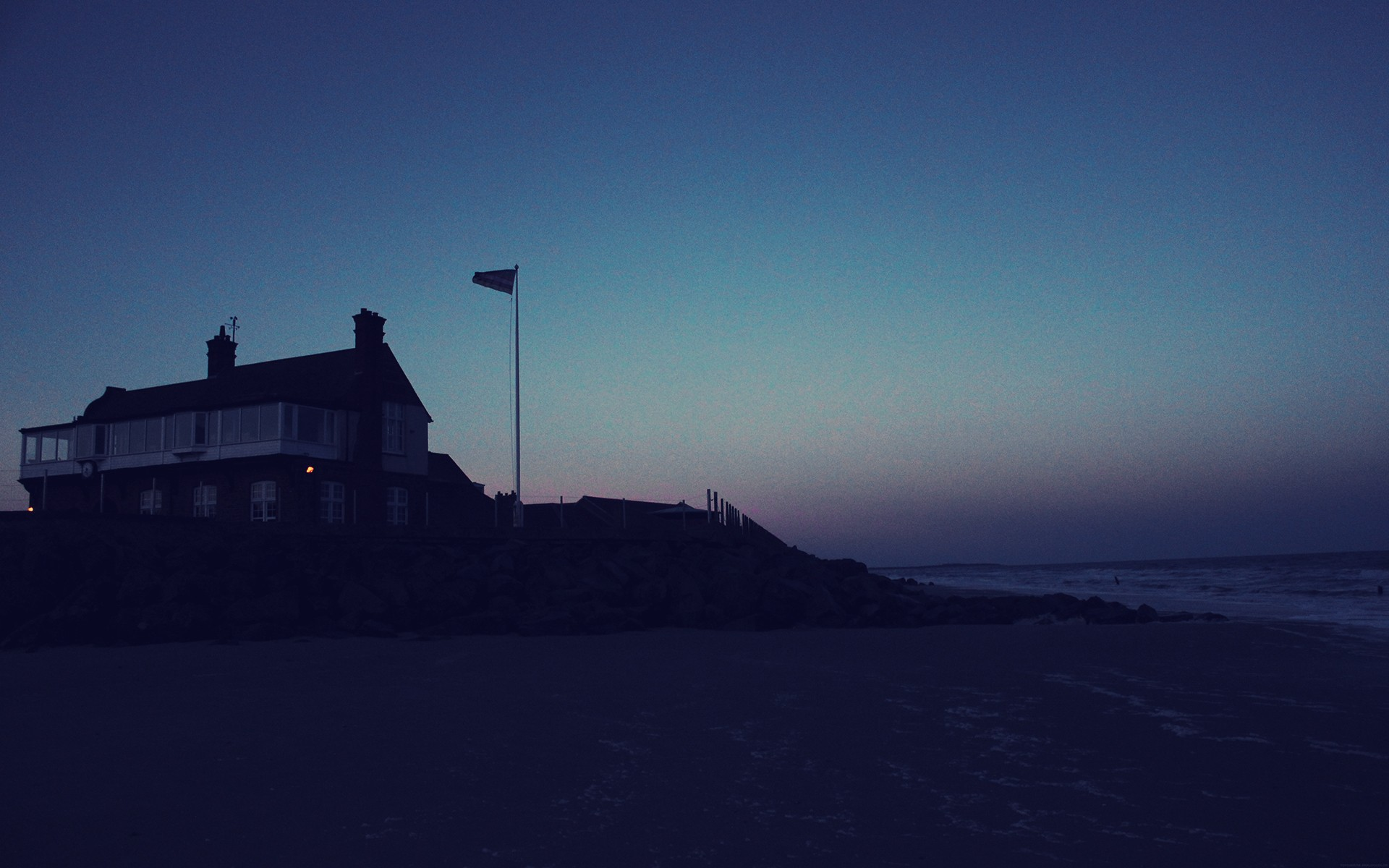 beach house at night wallpapers | beach house at night stock photos