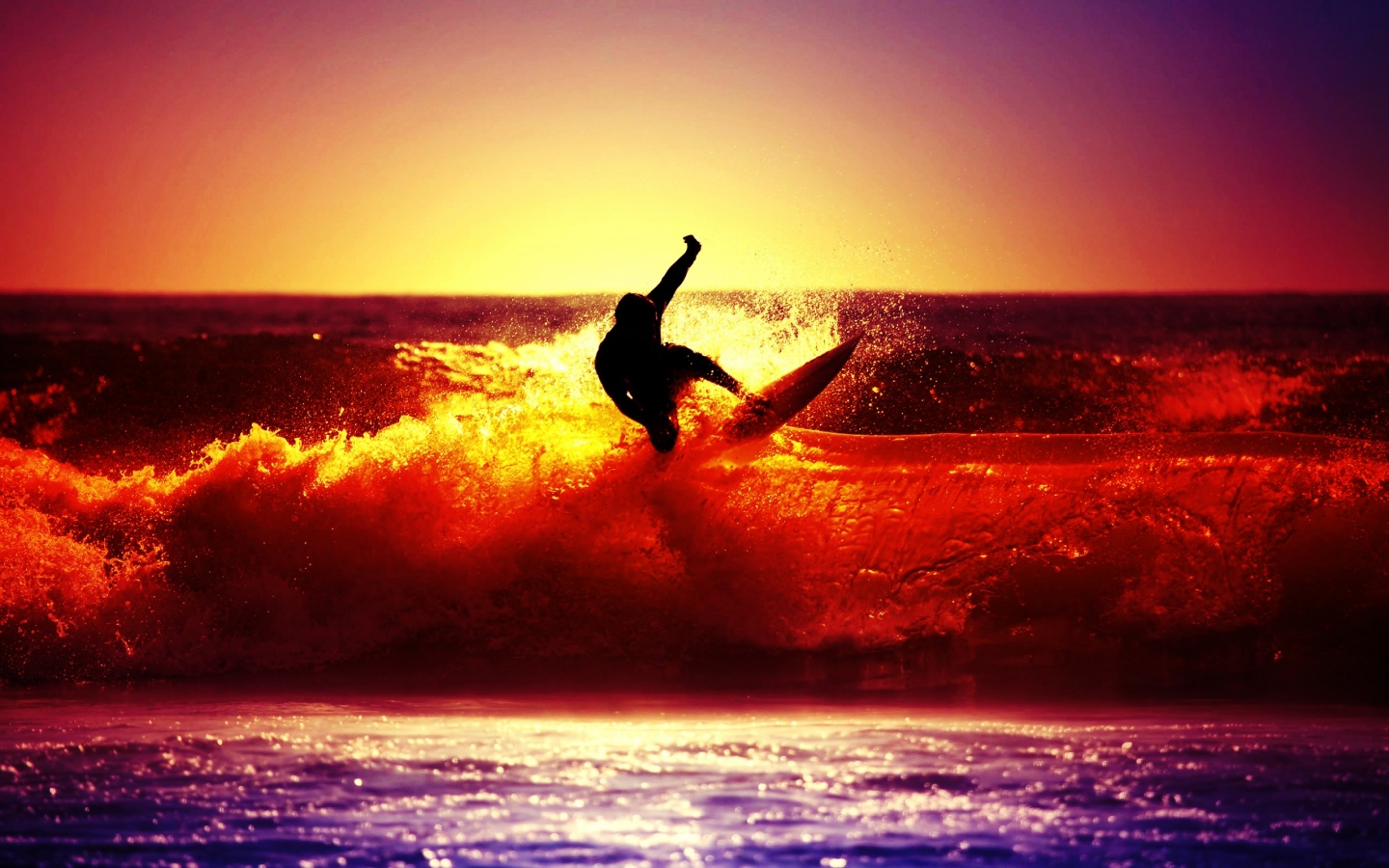 1440x900 Beach Surfer