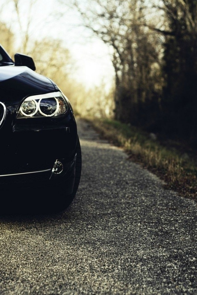640x960 Black Bmw 5 Series Section Iphone 4 Wallpaper