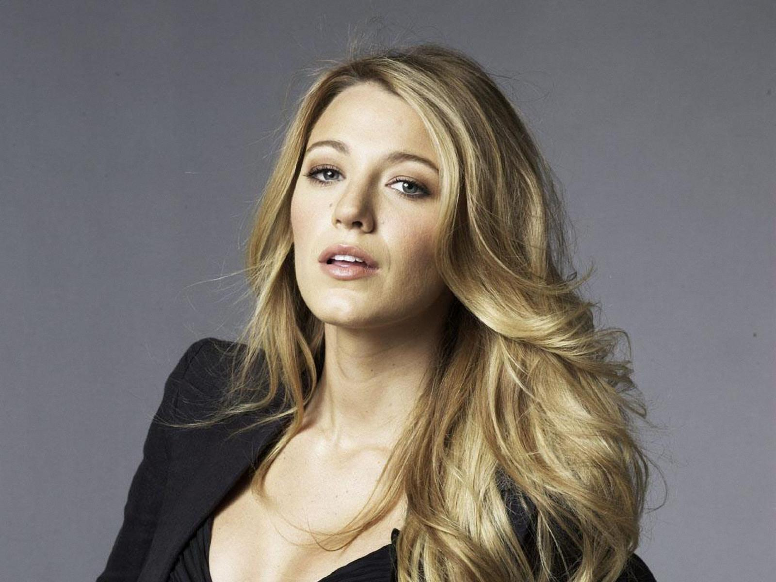 blake lively close-up 2 wallpapers | blake lively close-up 2 stock