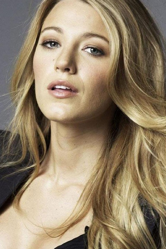 640x960 Blake Lively Close Up 2 Iphone 4 Wallpaper