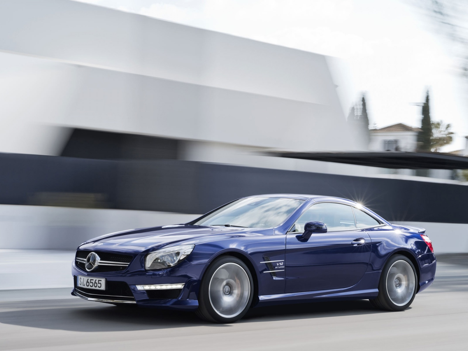 1500x500 blue mercedes benz sl amg twitter header photo for Mercedes benz twitter