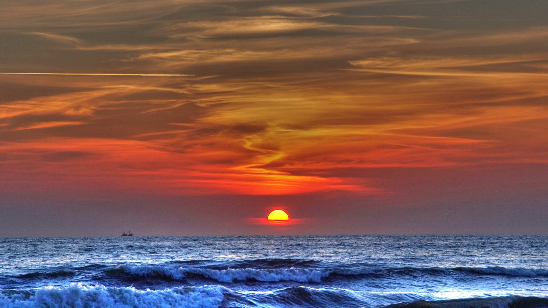 1920x1080 blue ocean amazing red sunset desktop pc and mac for Paesaggi bellissimi per desktop