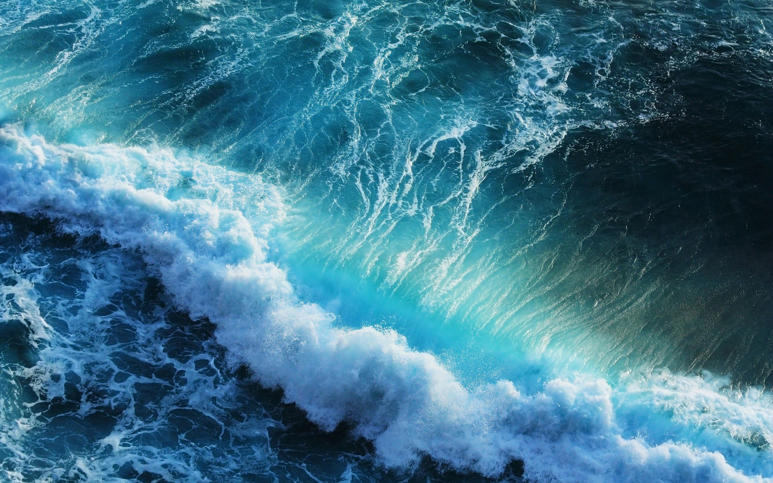 2560x1600 Blue Ocean Waves desktop PC and Mac wallpaper