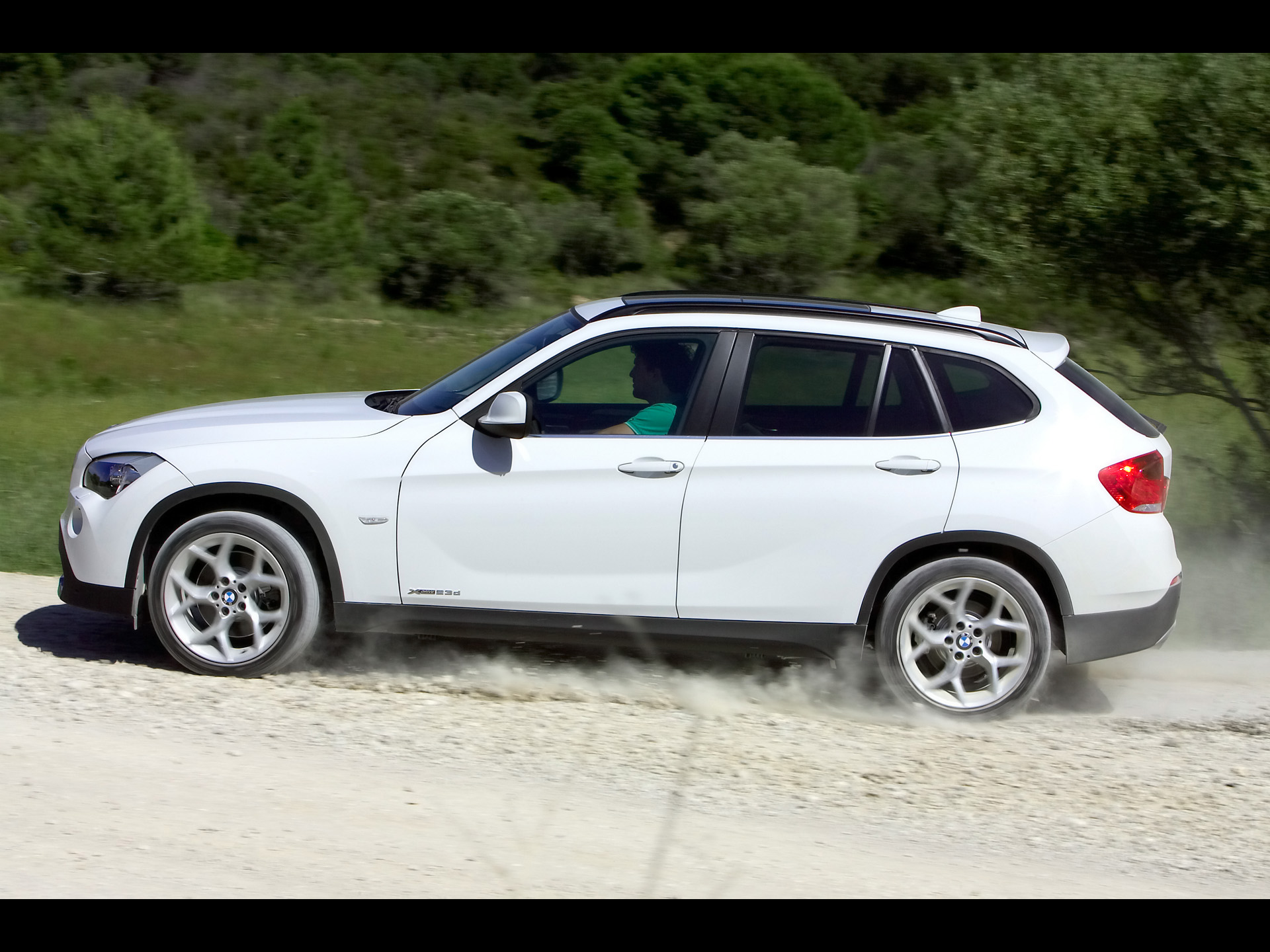 bmw x1 side speed white wallpapers bmw x1 side speed. Black Bedroom Furniture Sets. Home Design Ideas