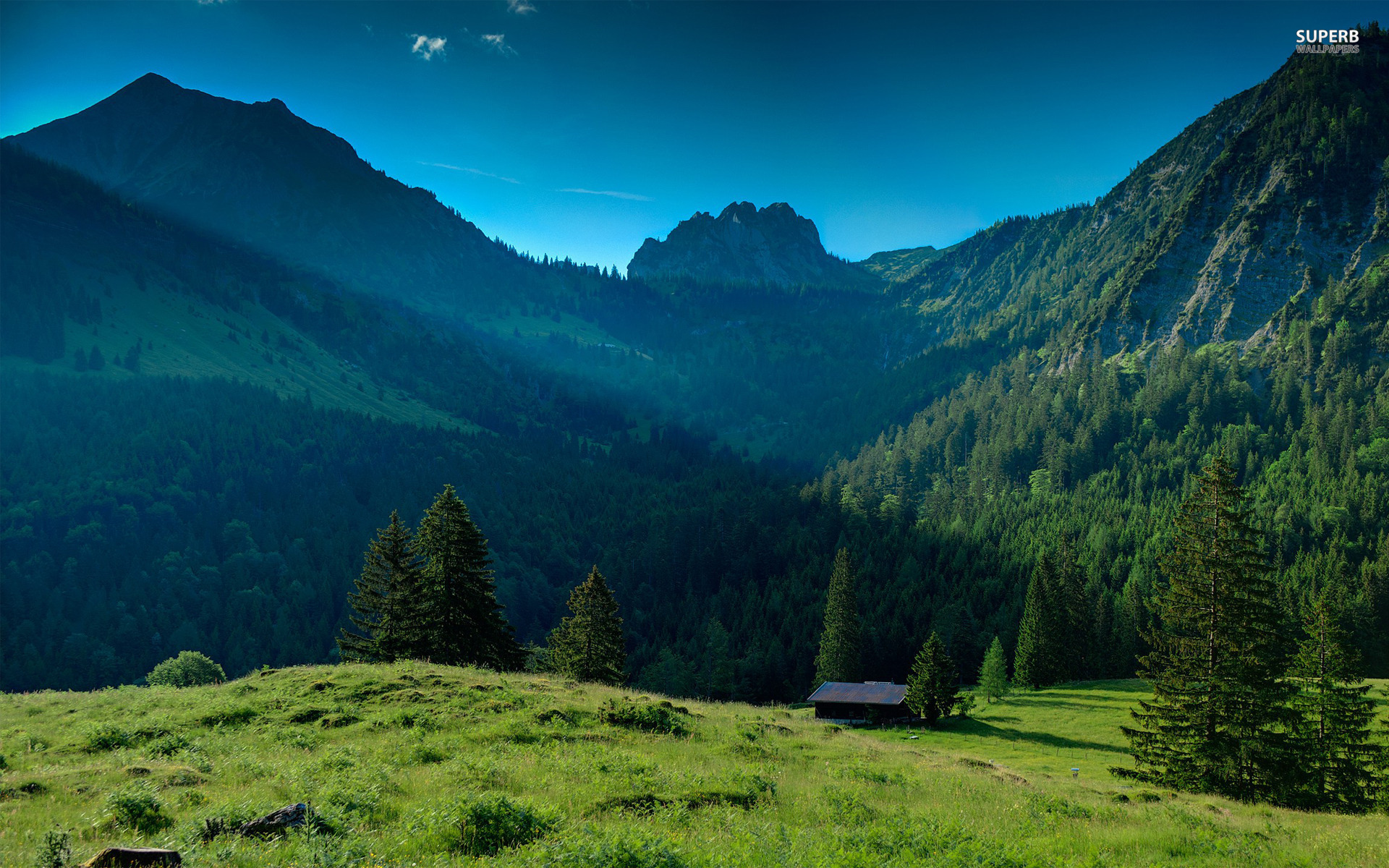 Cabin nice mountains grass wallpapers cabin nice for Nice house hd
