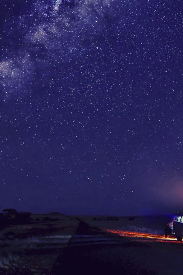 640x960 Camp And Starry Sky Iphone 4 Wallpaper