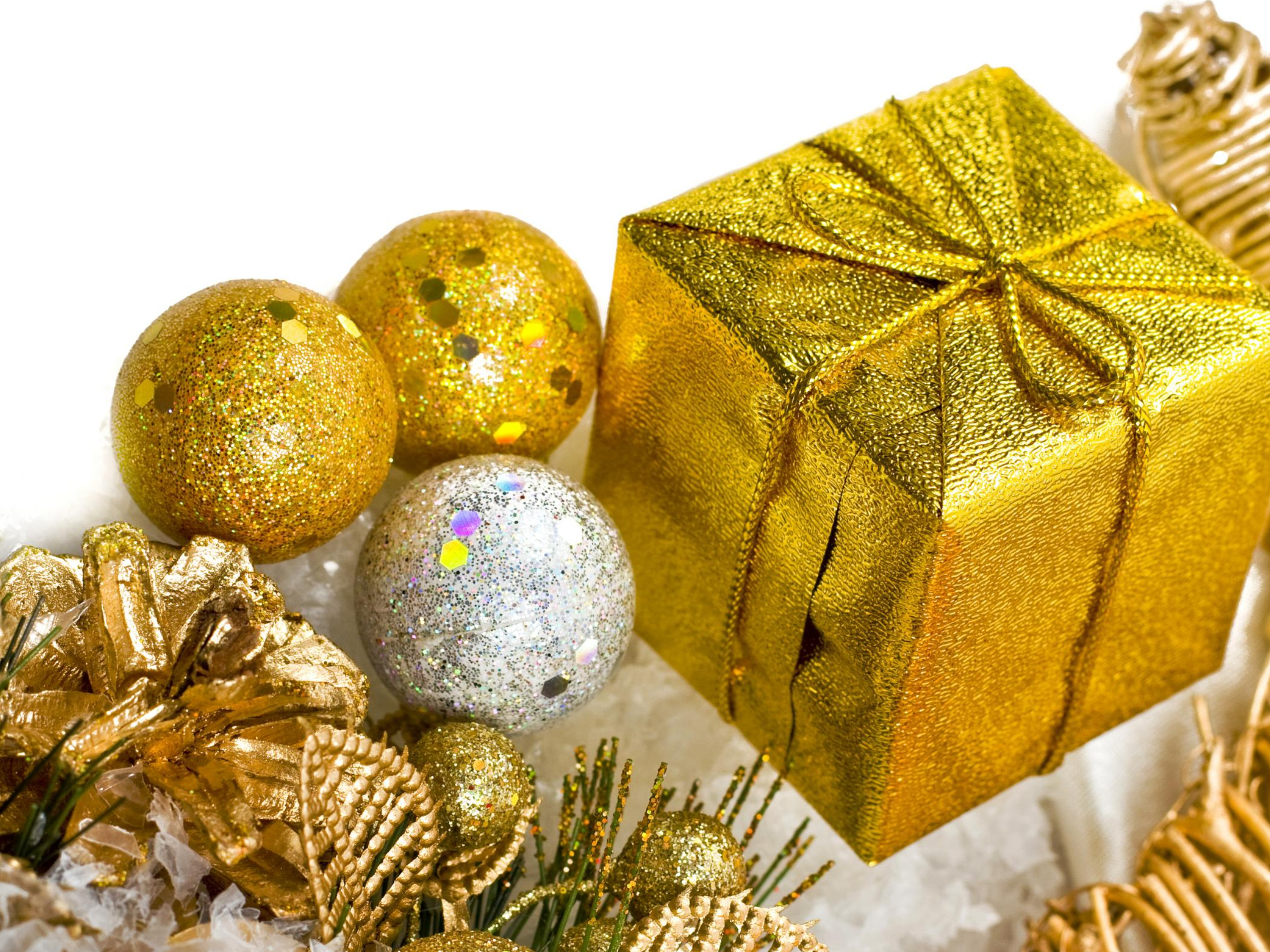 2560x1440 Christmas Golden Decorations Youtube Channel Cover