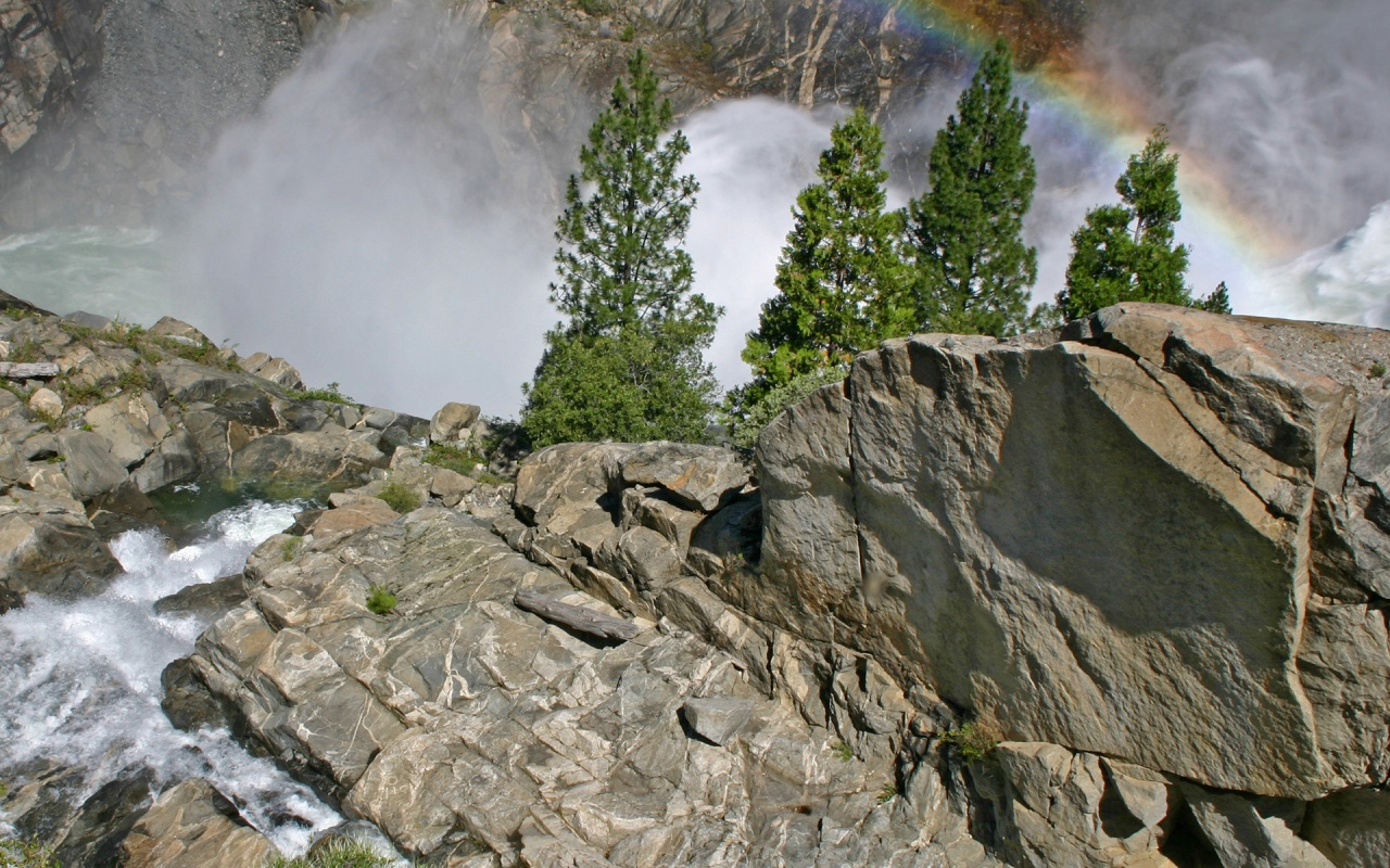 1280x800 Cliff and rainbow