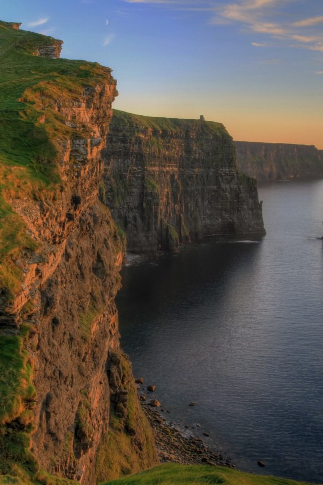 640x960 Cliffs Of Moira Ireland Iphone 4 Wallpaper