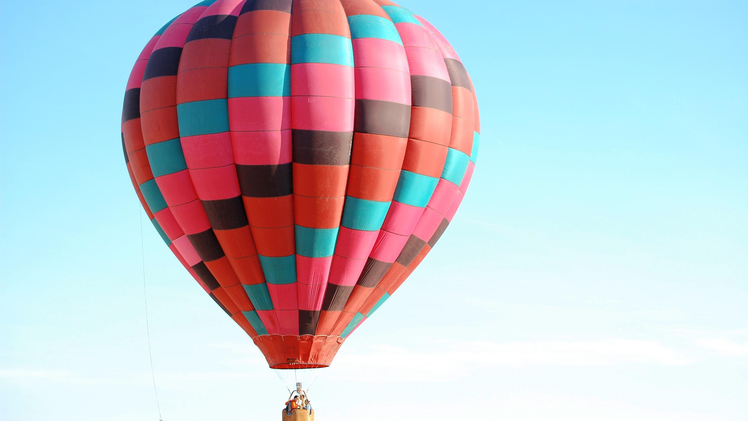 2560x1440 Colored Hot Air Balloon Desktop Pc And Mac Wallpaper