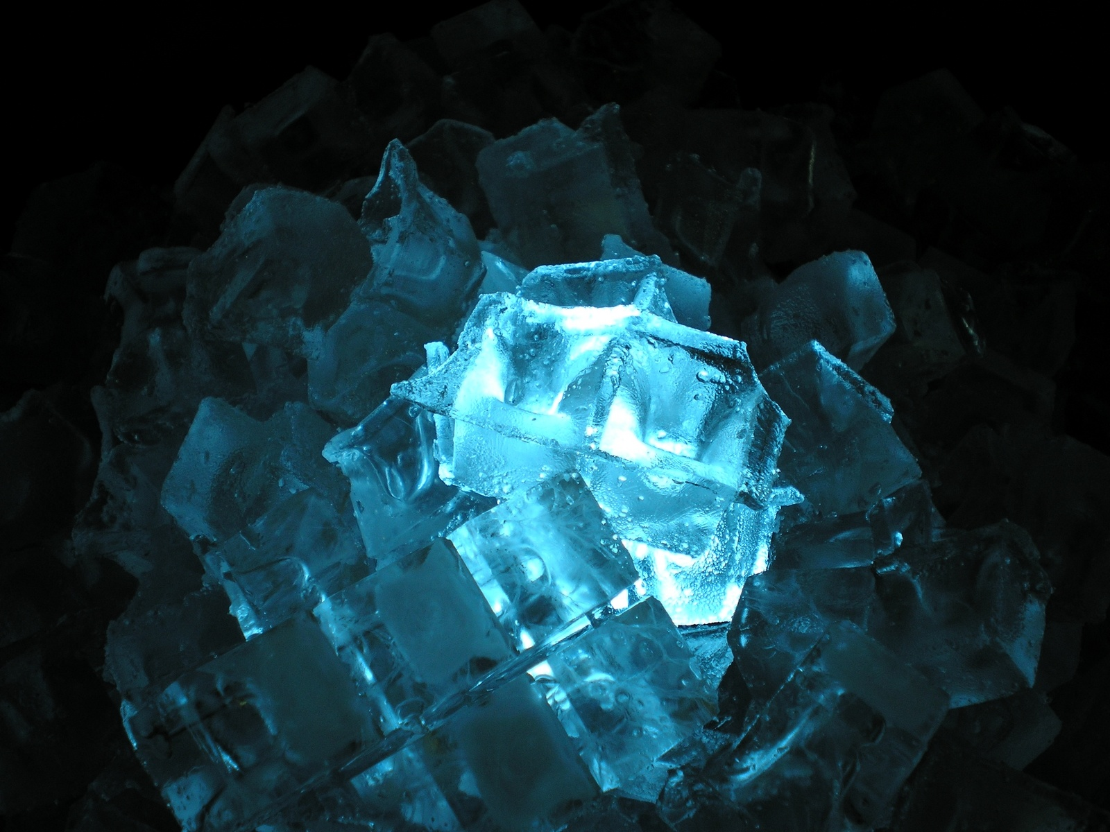 hd wallpaper of ice cubes