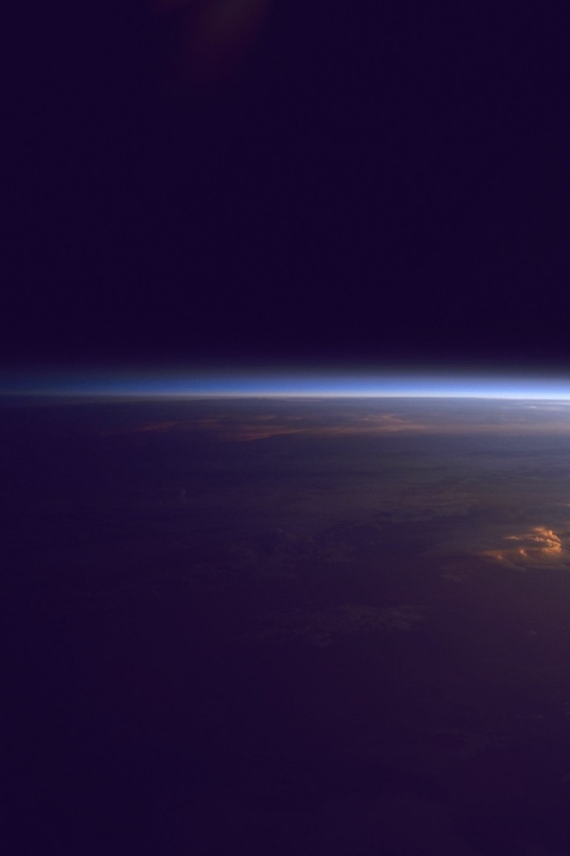 Iphone wallpaper earth - 640x960 Earth Horizon From Outer Space Iphone 4 Wallpaper