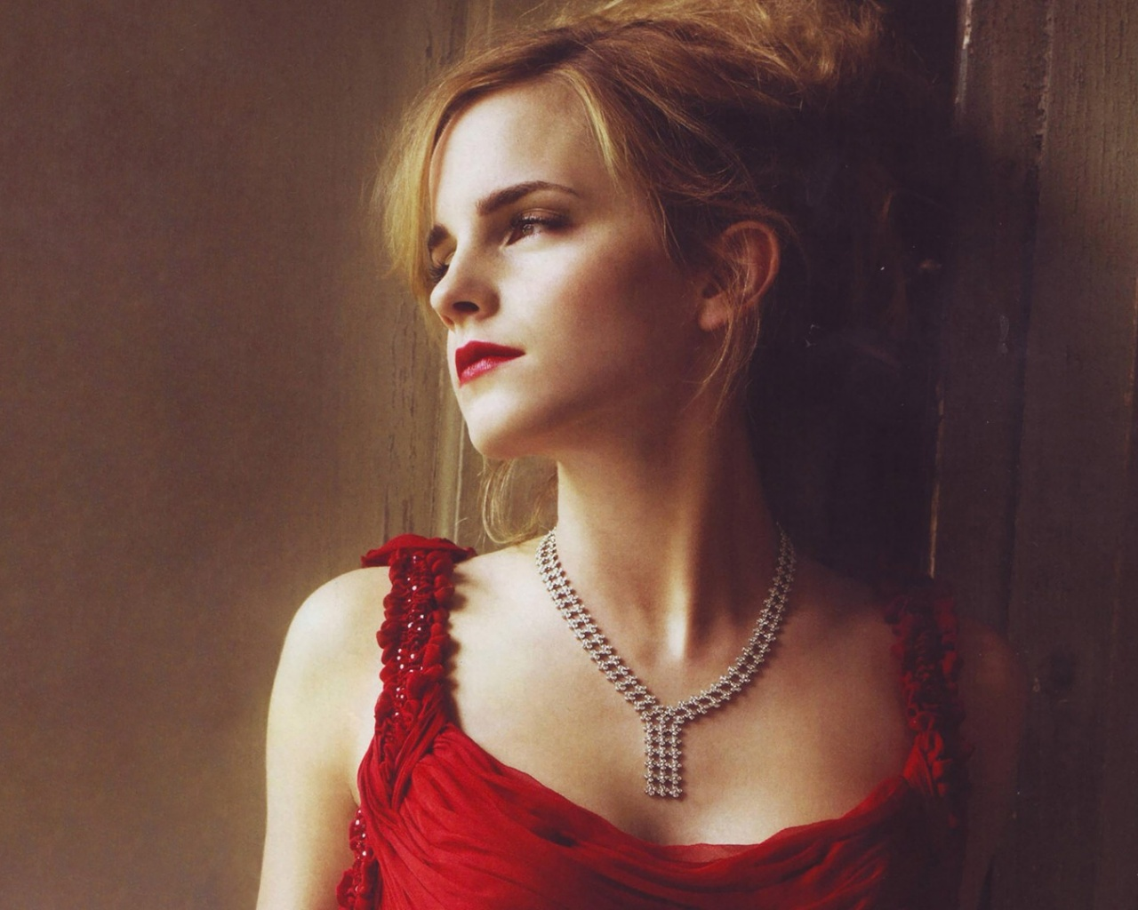 1280x1024 emma watson red dress desktop pc and mac wallpaper