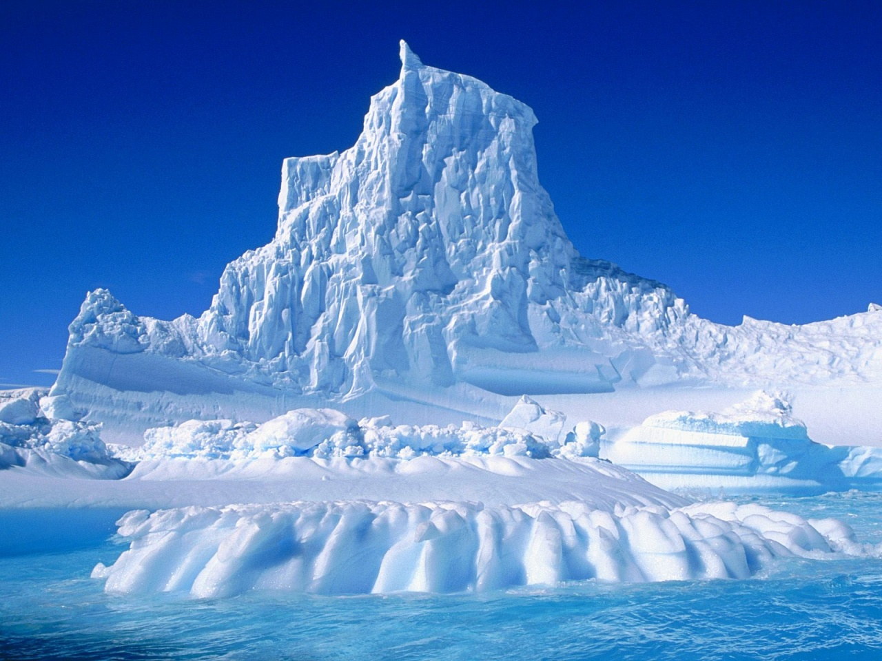 1280x960 Eroded iceberg desktop PC and Mac wallpaper