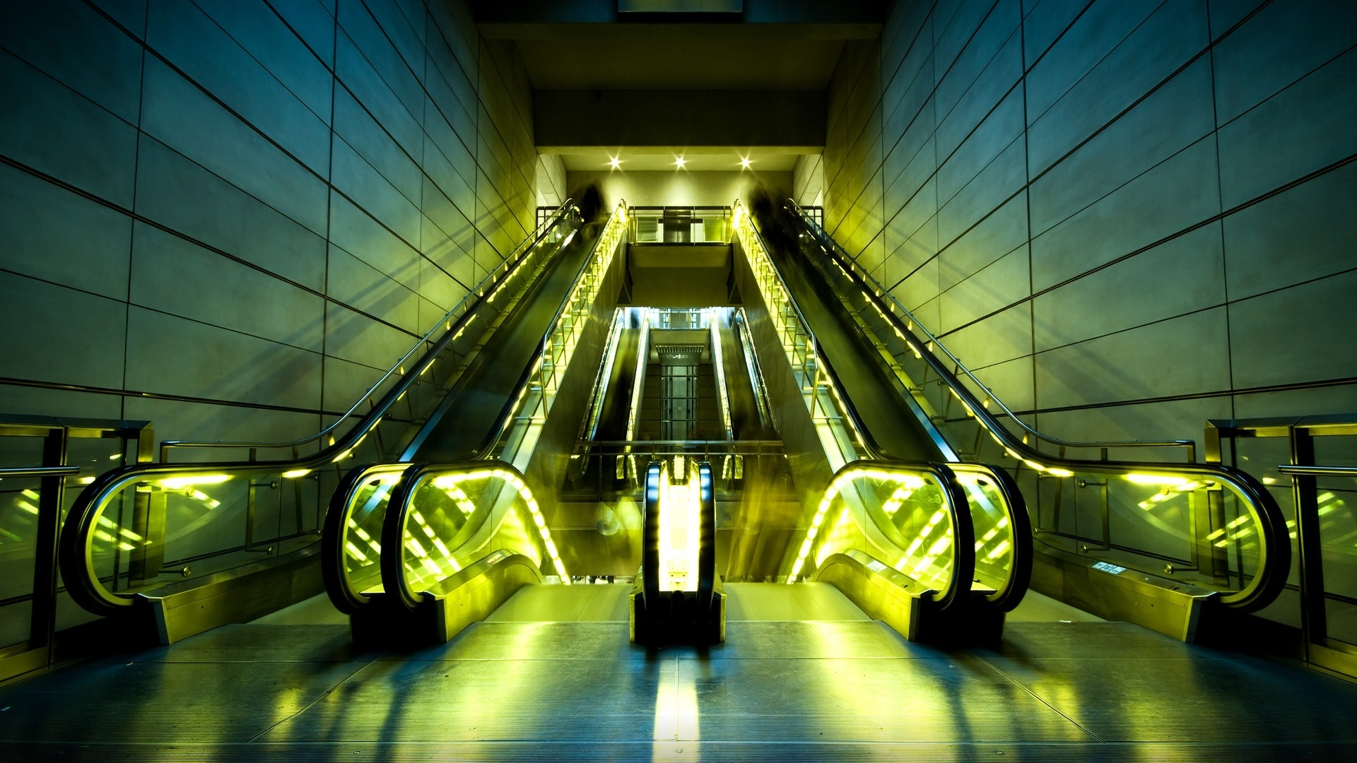 1920x1080 Escalators