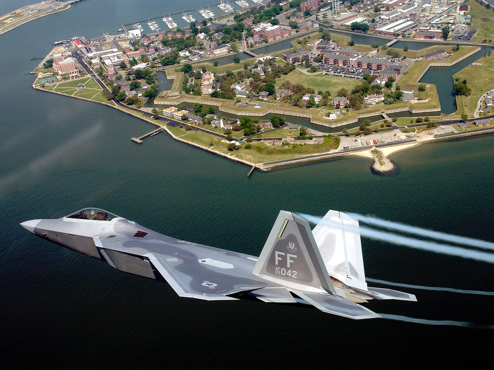 1600x1200 F-22A Raptor desktop wallpapers and stock photos