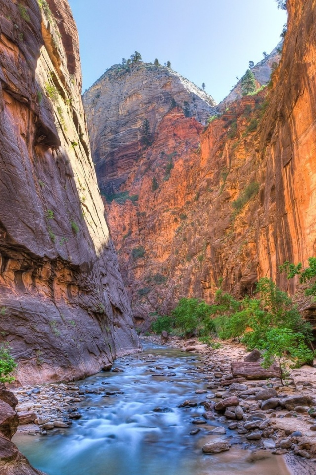 640x960 Fantastic Canyon Utah Iphone 4 wallpaper
