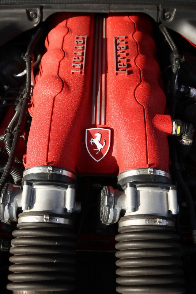 640x960 Ferrari California Engine Iphone 4 Wallpaper