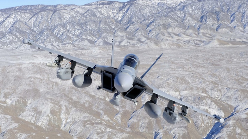 646x220 Fighter Jet in Valley