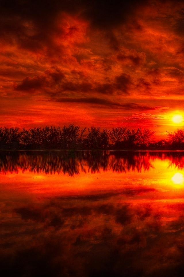 640x960 Fire Red Sunset Reflection Sea