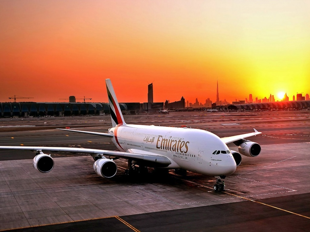 1024x768 fly emirates airbus a380 800 desktop pc and mac for Home wallpaper uae