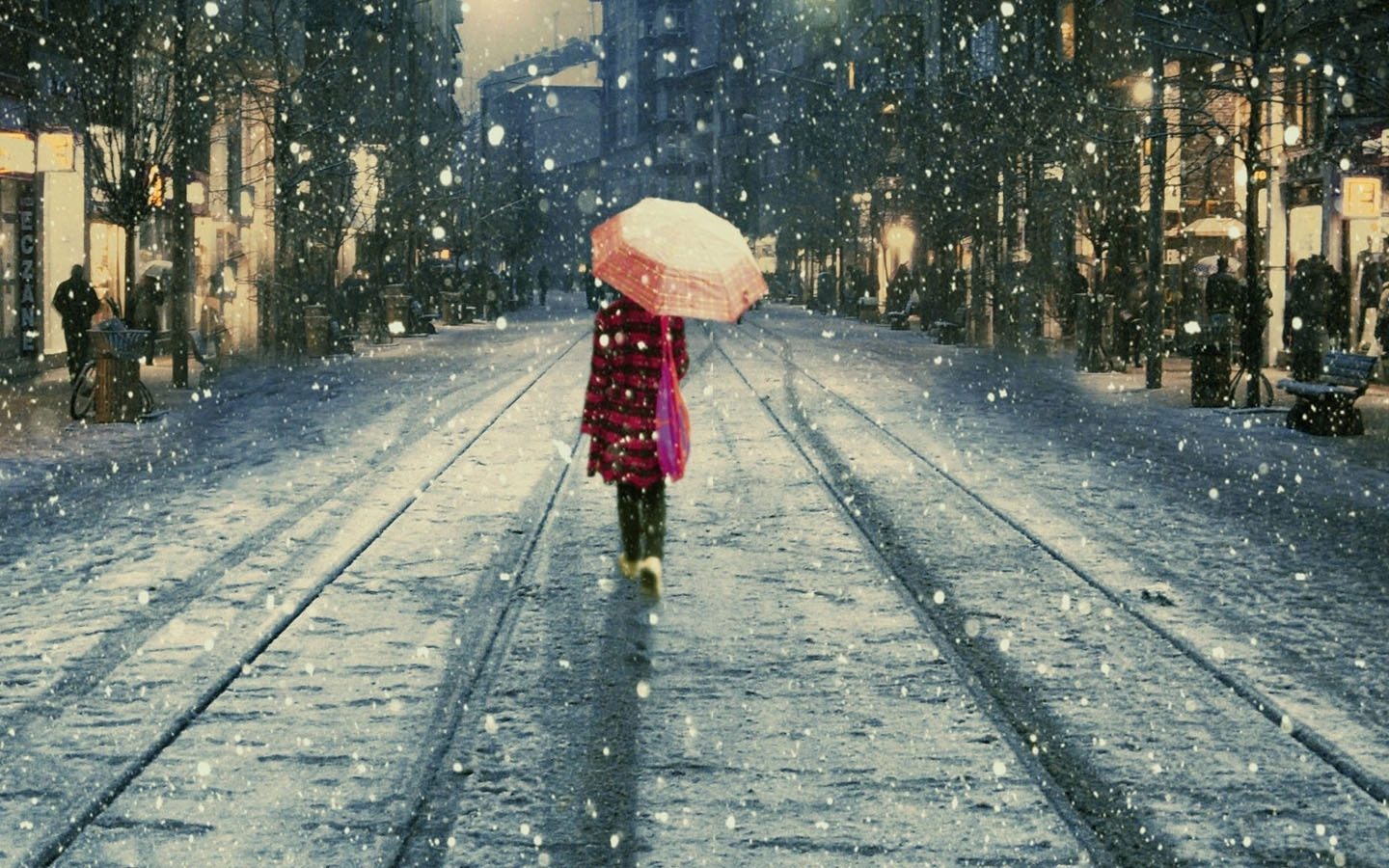 walking in the snow -#main