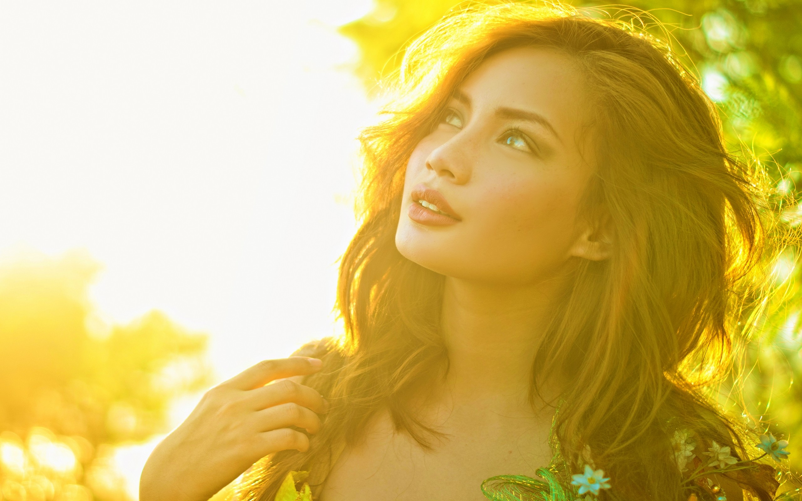 Gorgeous Model Under The Spring Sun Wallpapers Gorgeous