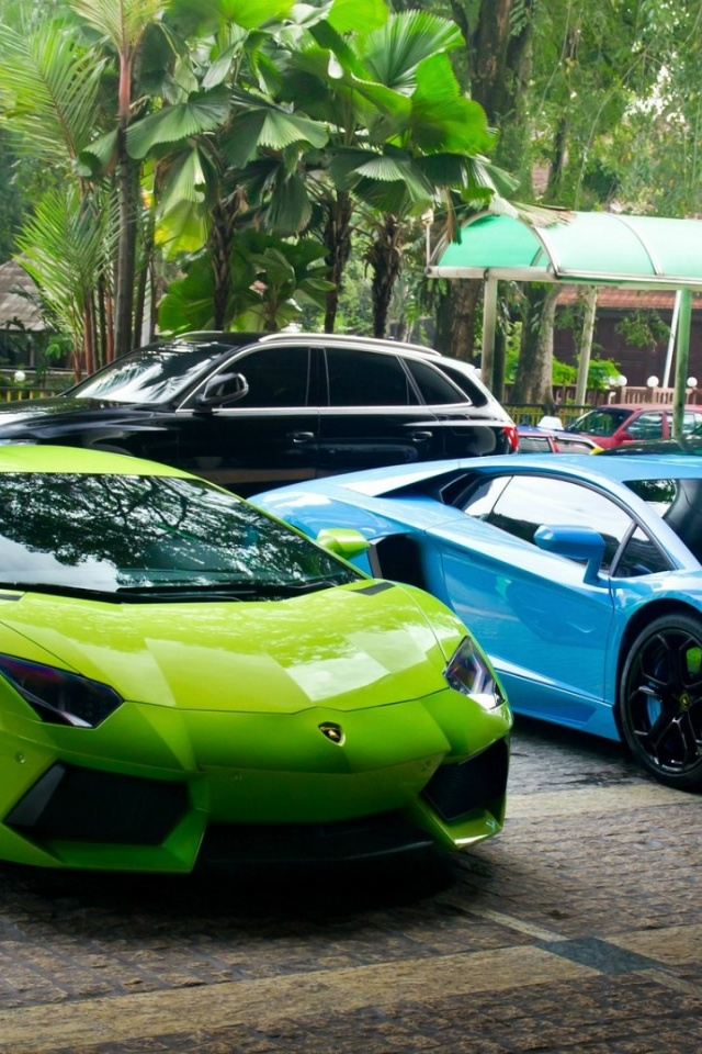 640x960 Green And Blue Lamborghini Supercars Iphone 4 Wallpaper