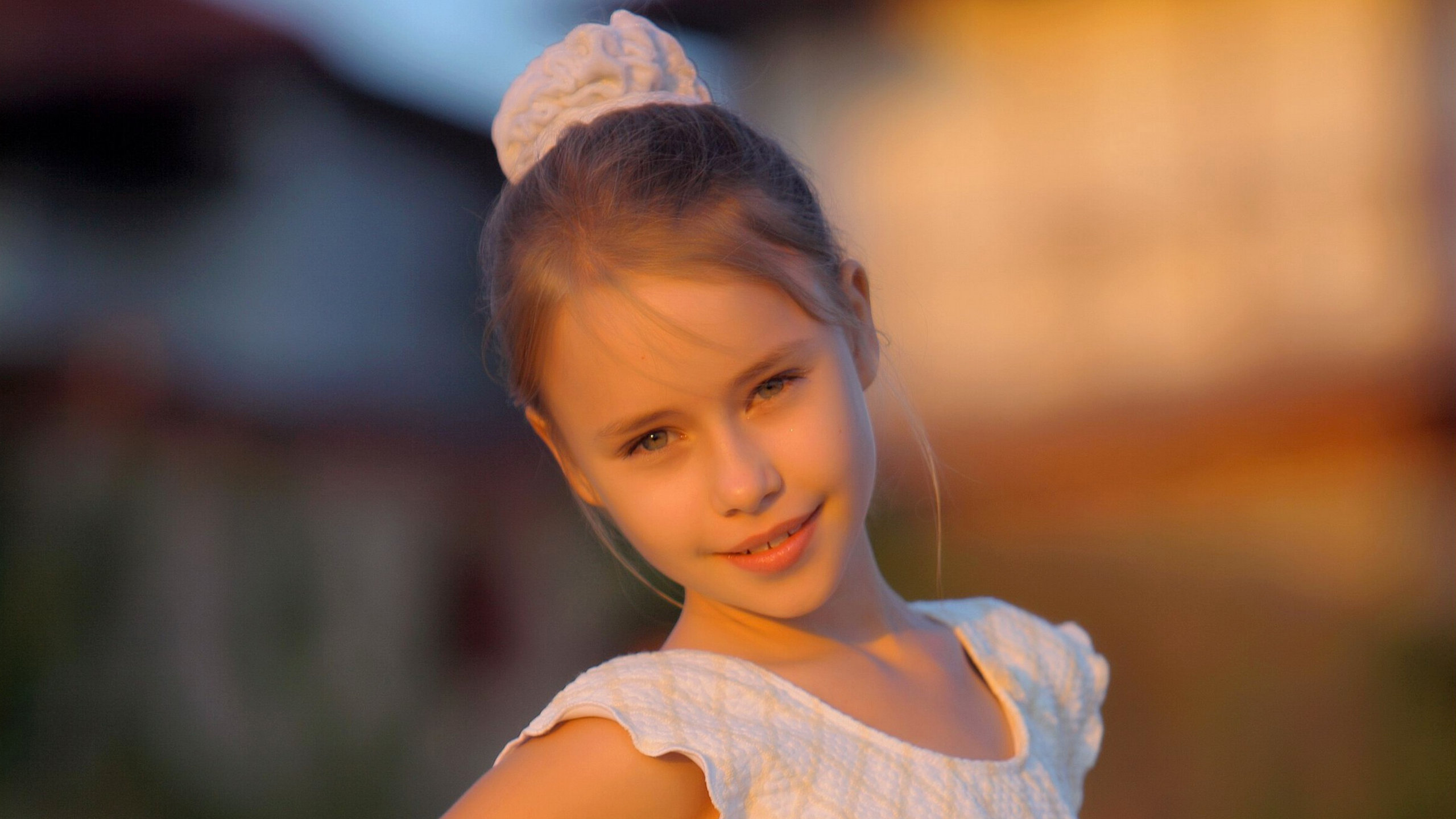 Candy Doll Valensiya B Photos: 2560x1440 HannaF Girl Portrait At Sunset Desktop PC And