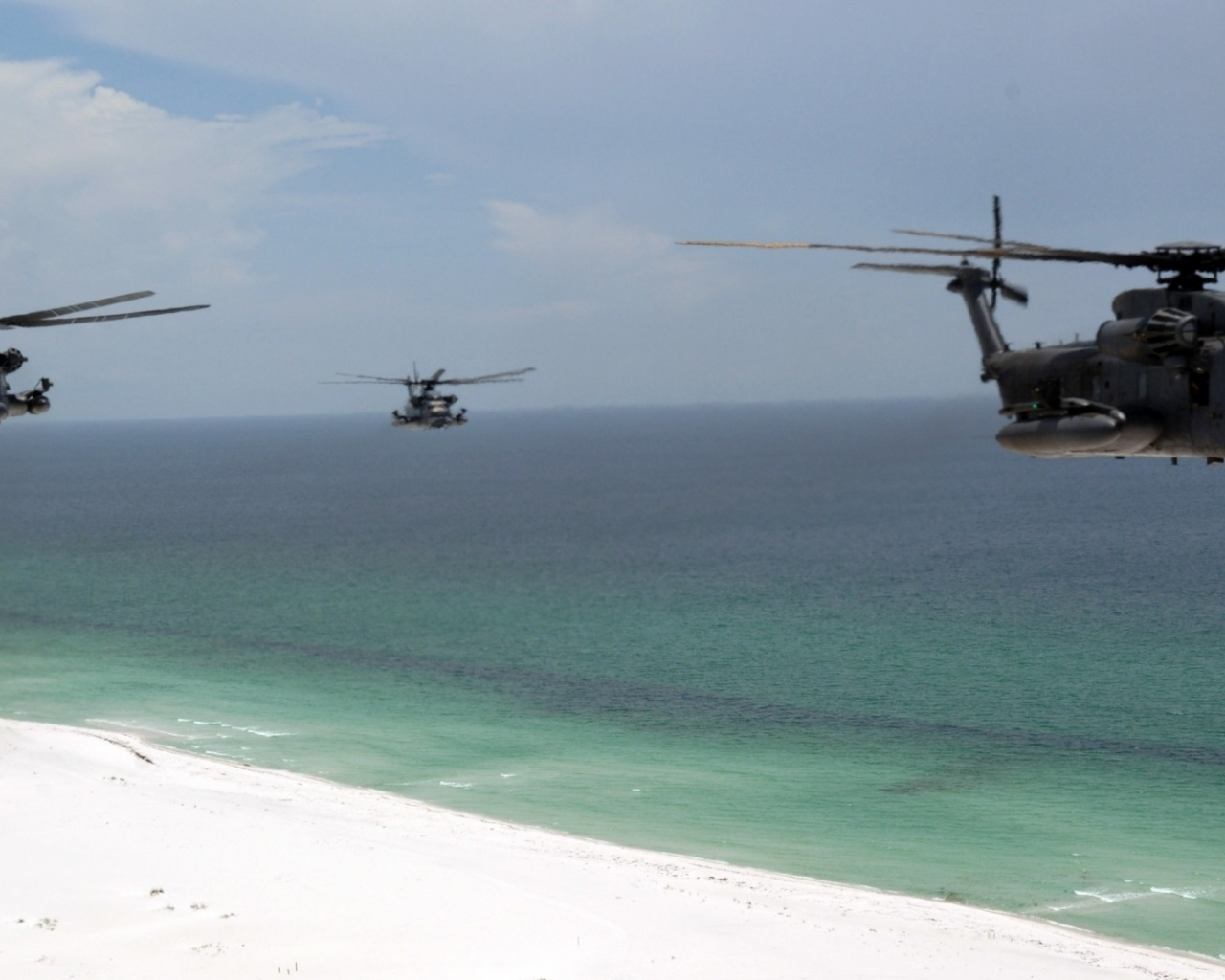 1280x1024 Helicopter, beach, choppers