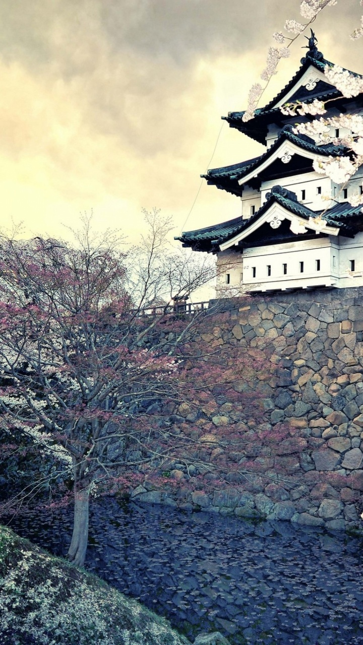 720x1280 hirosaki castle japan htc one x wallpaper for Japanese wallpaper home