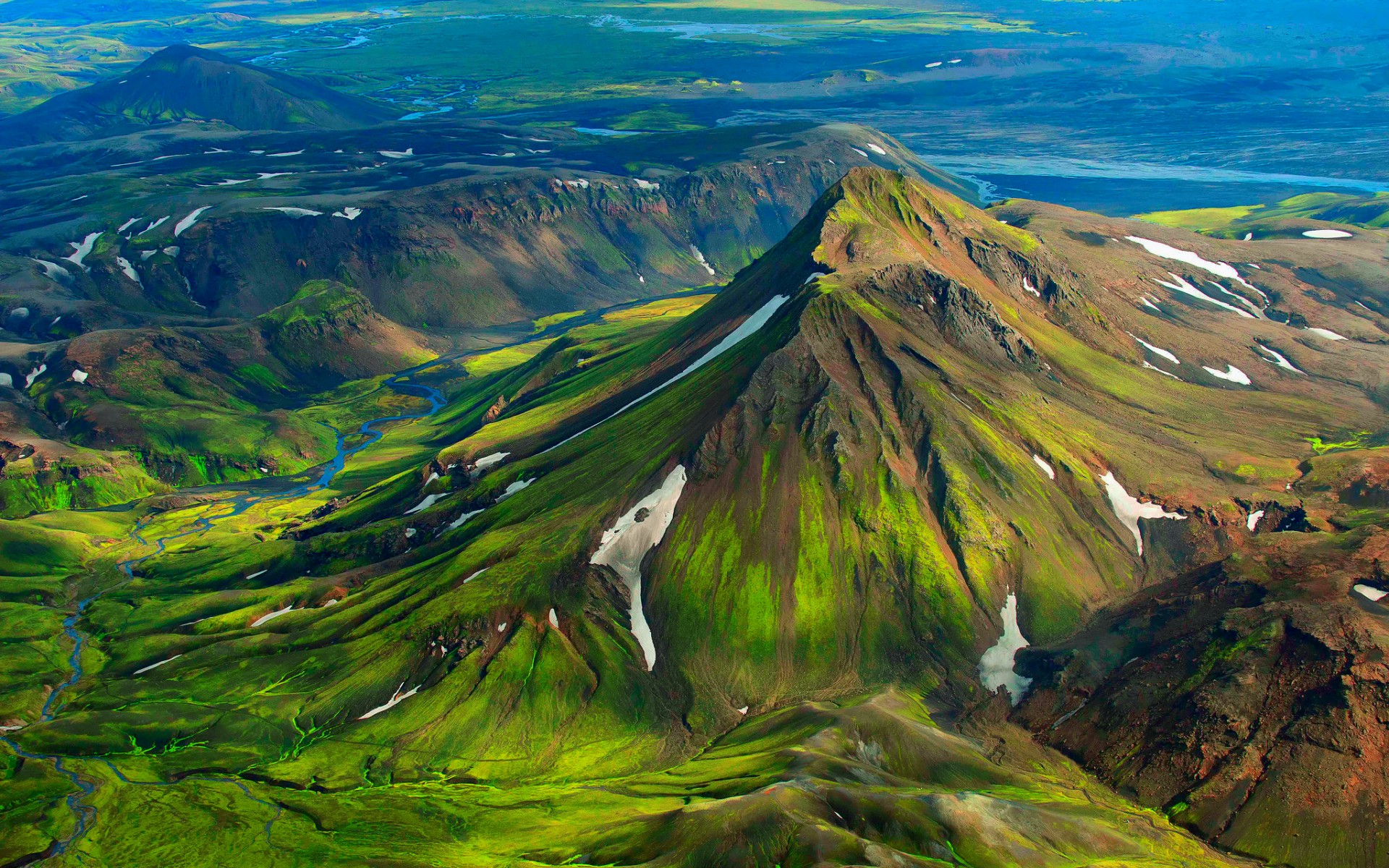 iceland green mountain snow wallpapers iceland green mountain snow