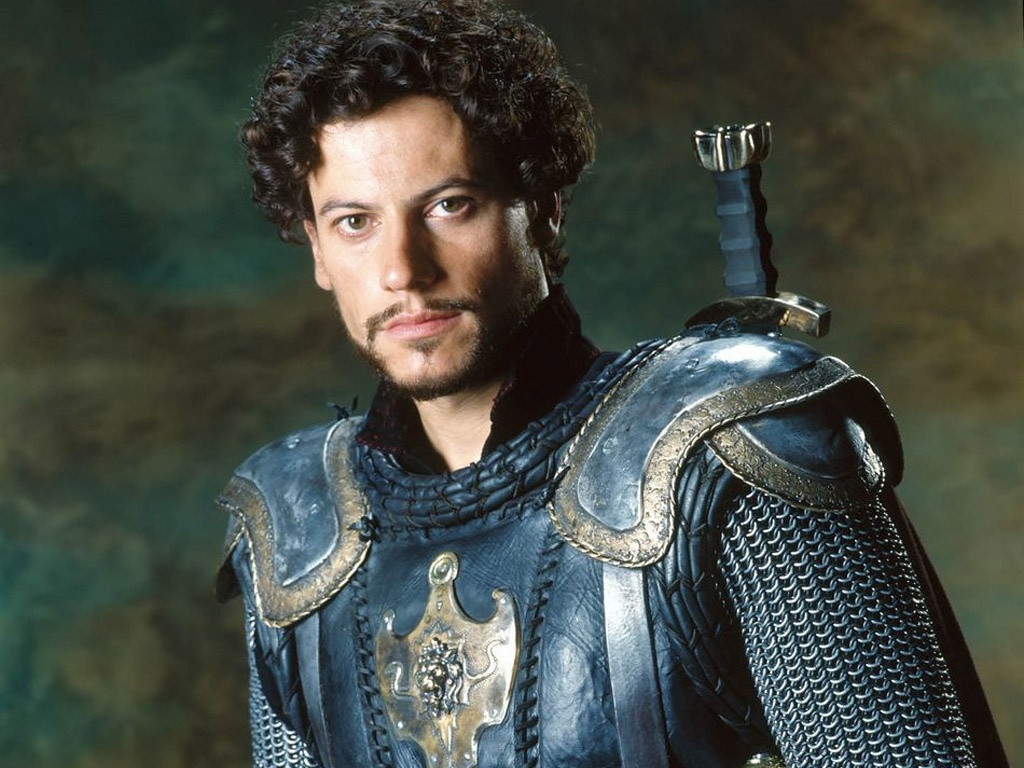 Why is Arthur is in conflict with Lancelot?