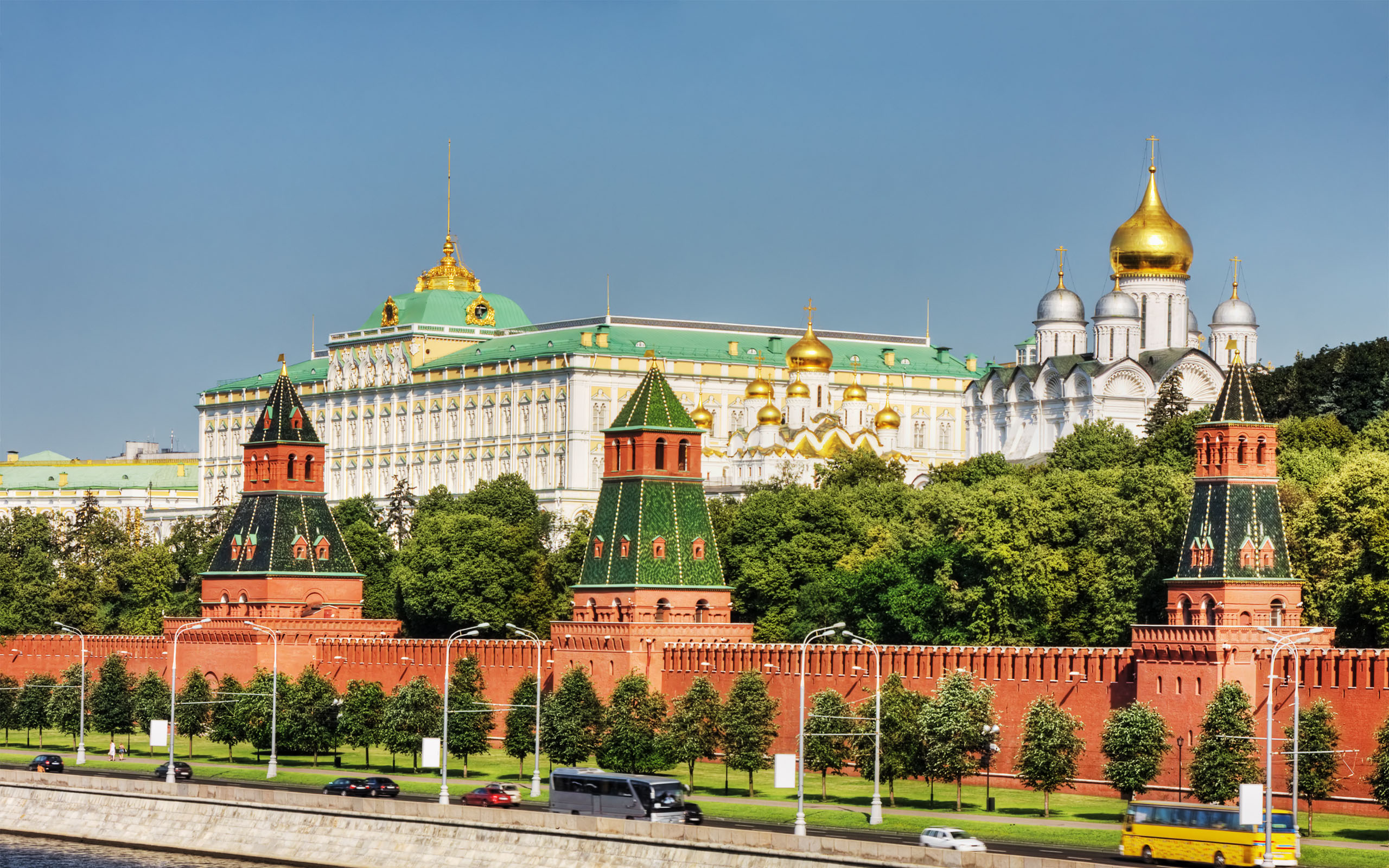 Kremlin Wall Moscow Wallpapers  Stock
