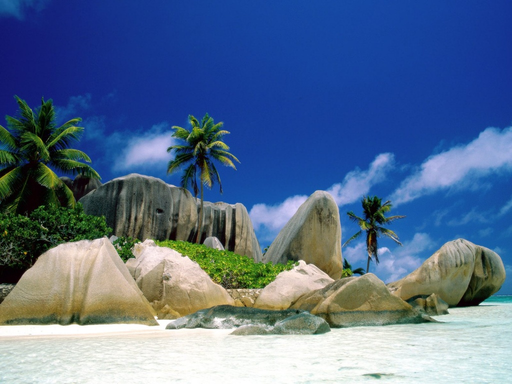 1024x768 La Digue Islands