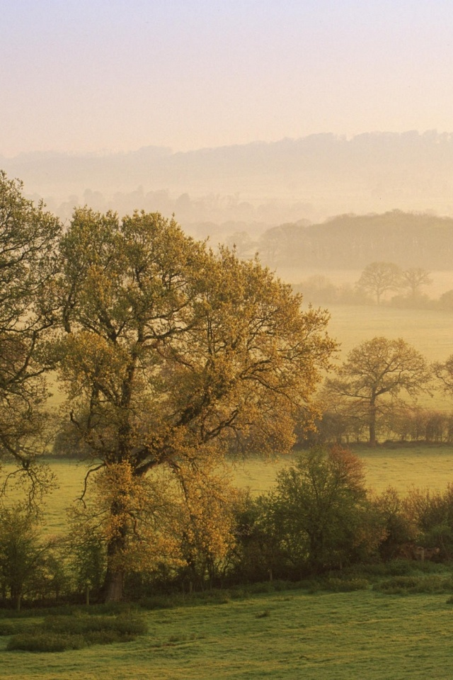 640x960 Landscape England Iphone 4 Wallpaper