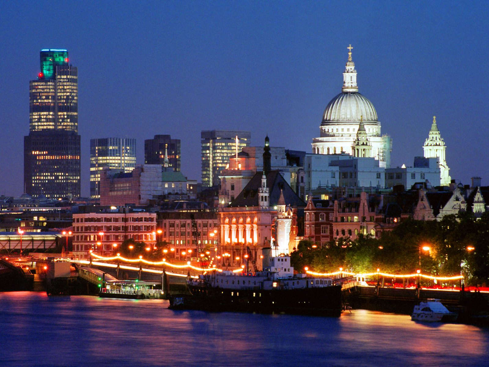 1600x1200 london skyline desktop pc and mac wallpaper