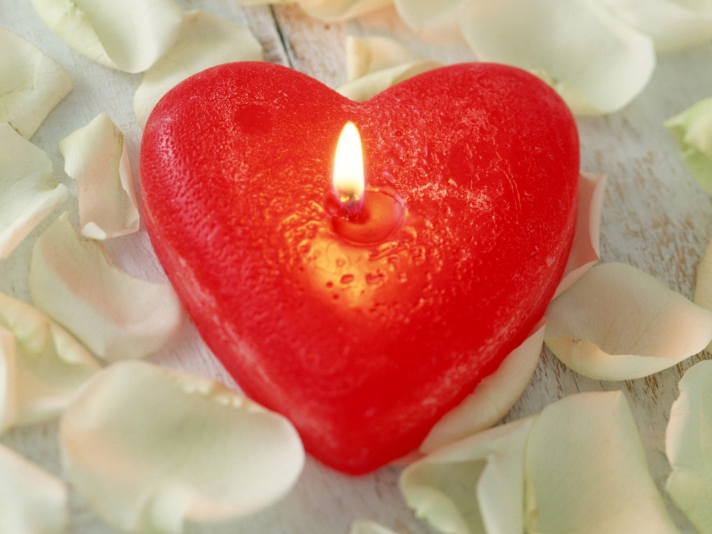 1024x768 Love candle