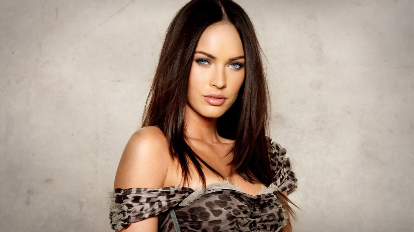 Megan Fox Transformers 2 Backgrounds. megan fox transformers 2 ike.