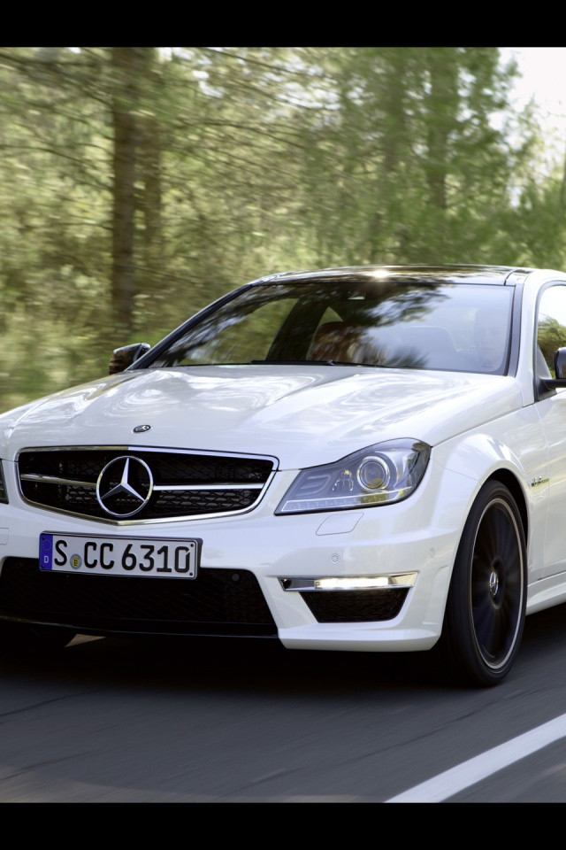640x960 Mercedes Benz C 63 Amg On The Road Iphone 4 Wallpaper